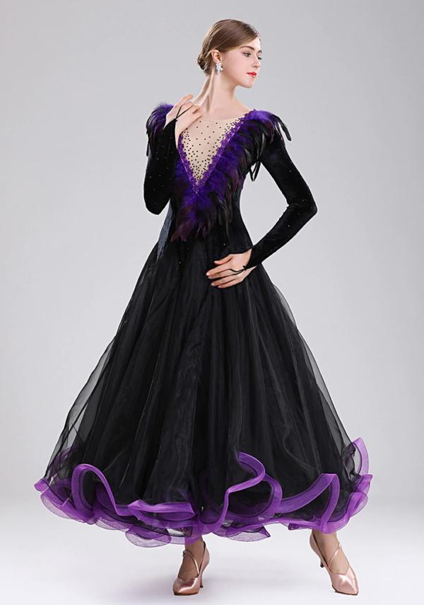 Платье стандарт чёрное с фиолетовой отделкой